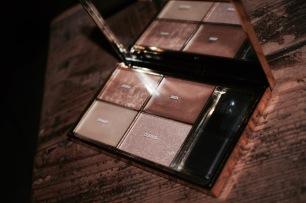 http://www.sephora.fr/Maquillage/Palettes-Coffrets/Teint/Highlighting-Palette-Palette-de-maquillage/P2174015